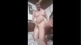 ठरकी ससुर ने बहू को घर पे चोदा