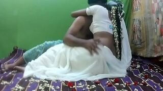 शिमला मे सुहागरात पर बीवी की चोदा चोदी सेक्स वीडियो