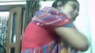 गुरगाओं मई देसी चाची की चोदा चोदी सेक्स वीडियो