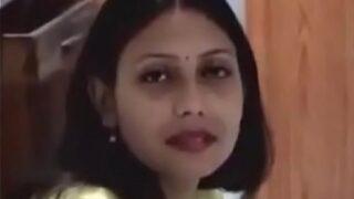 मराठी भाभी और नौकर की चुदाई वीडियो